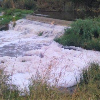 Foto 1 vertido río Guadaíra 20-octubre-17