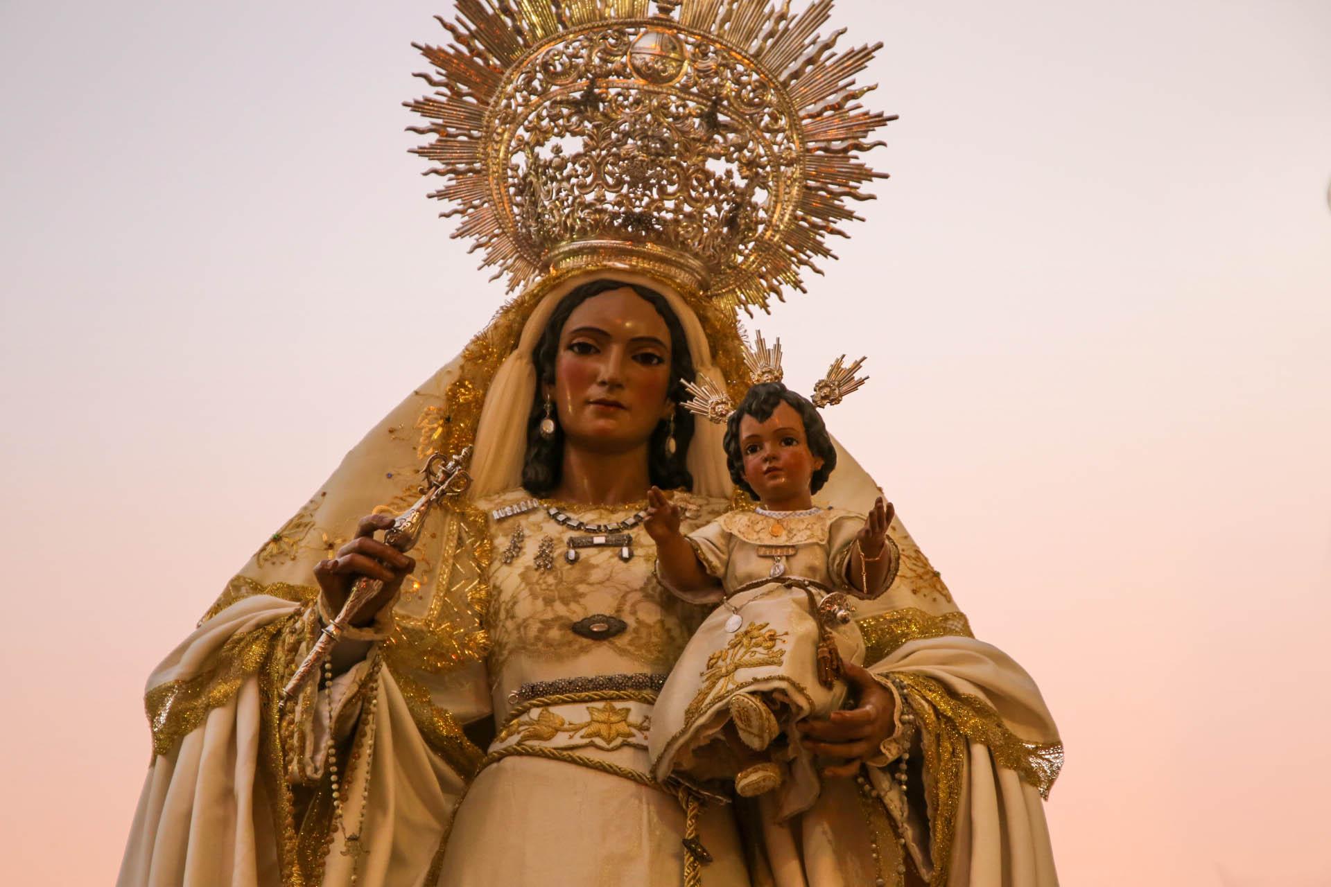 La virgen del rosario de santiago saldr este s bado noticias de alcal de guada ra - Farmacia guardia puerto del rosario ...
