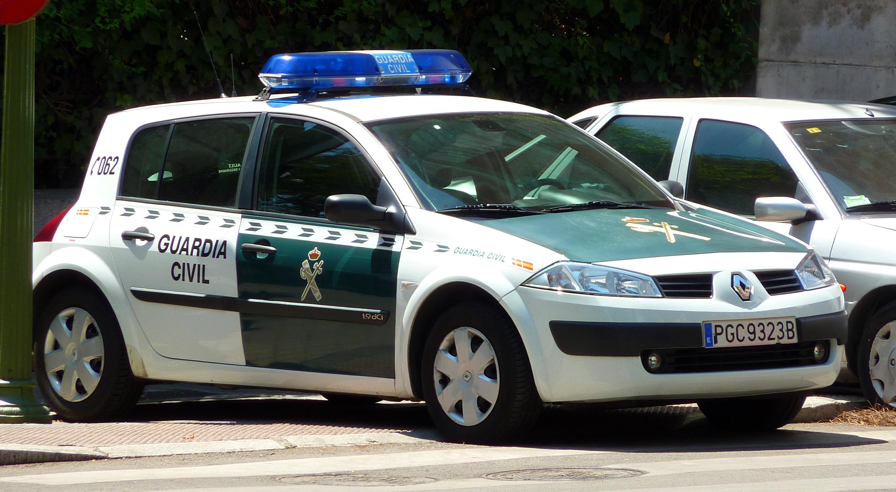 Renault_Mégane_Guardia_Civil-2