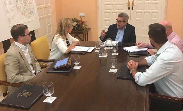 31-07-18 Reunión subdelegado-Alcaldesa Alcalá Guadaíra