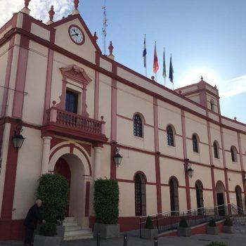 alcala-conmemora-40-anos-de-ayuntamientos-democraticos-con-homenaje-a-concejales-que-han-formado-parte-de-la-corporacion-municipal
