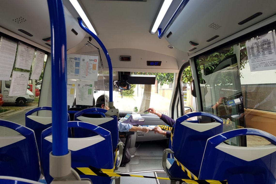 mas-de-2000-mascarillas-para-los-usuarios-del-autobus-urbano-de-alcala