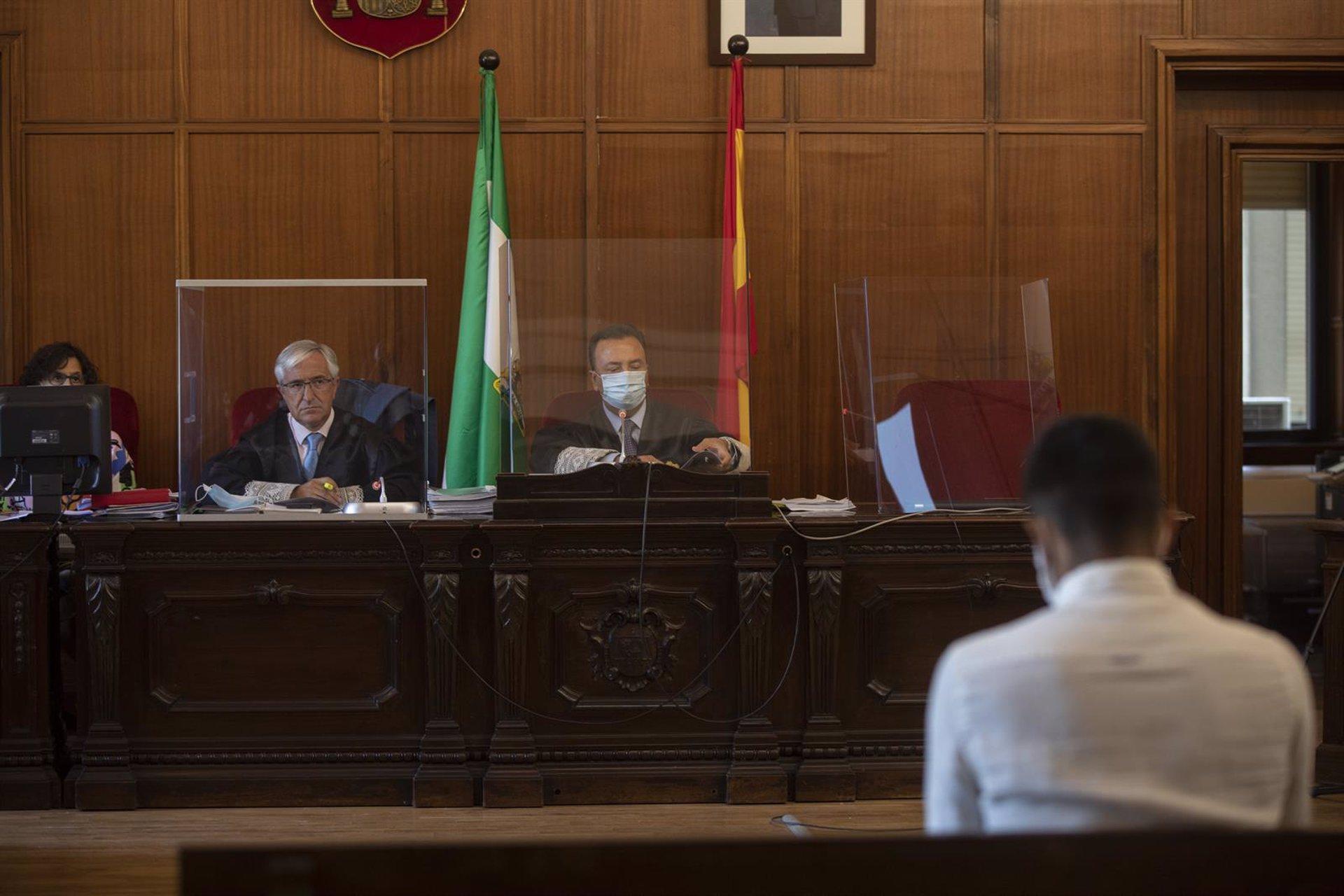 Sevilla.-Tribunales.-Condenado a once años de cárcel el joven acusado de asesinar en 2018 a su madre en Alcalá