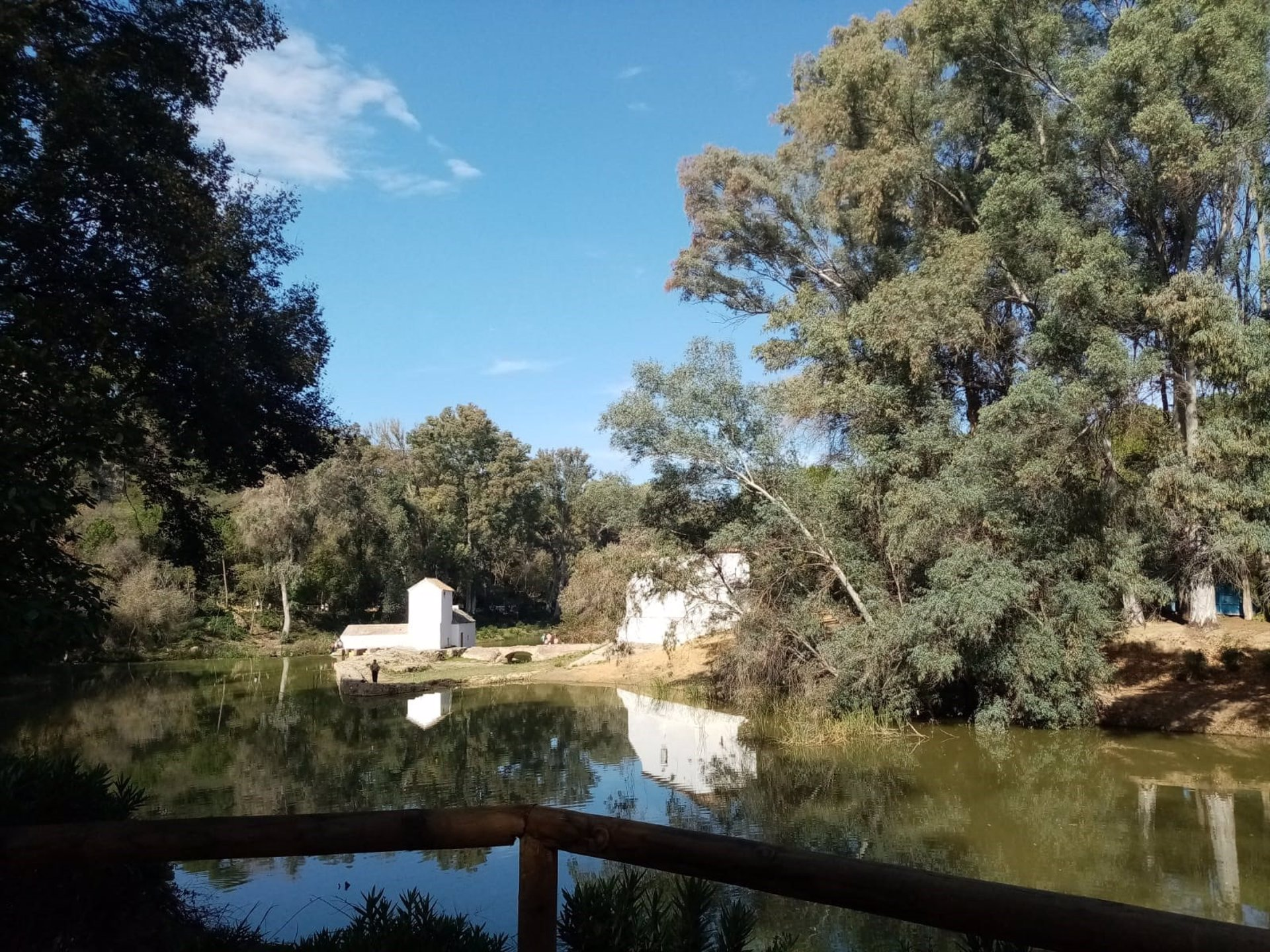 Sevilla.- Alcalá de Guadaíra aumenta la vigilancia y seguridad en las instalaciones municipales y los parques del río