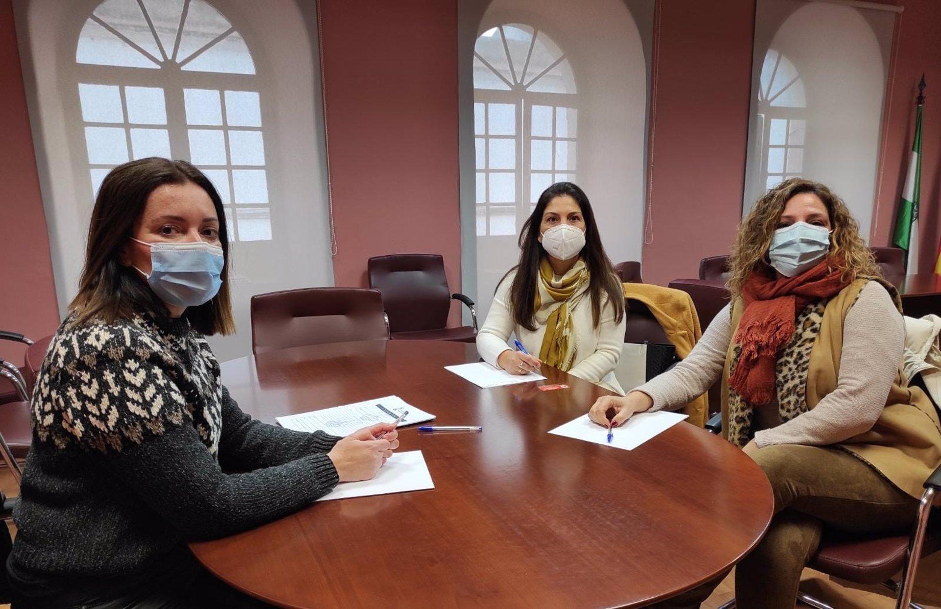 Sevilla.-Cvirus.- Ayuntamiento Alcalá muestra su apoyo a las agencias de viaje, una de las más afectados por la crisis