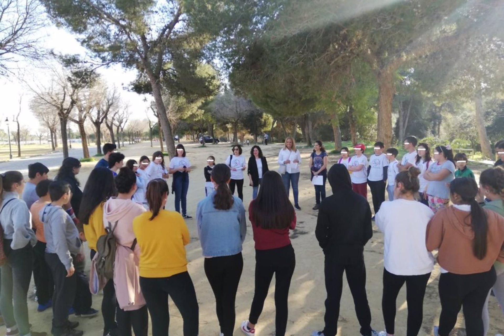 Sevilla.-Cvirus.- Menores de Alcalá de Guadaíra se ofrecen a acciones de voluntariado para superar la crisis por covid