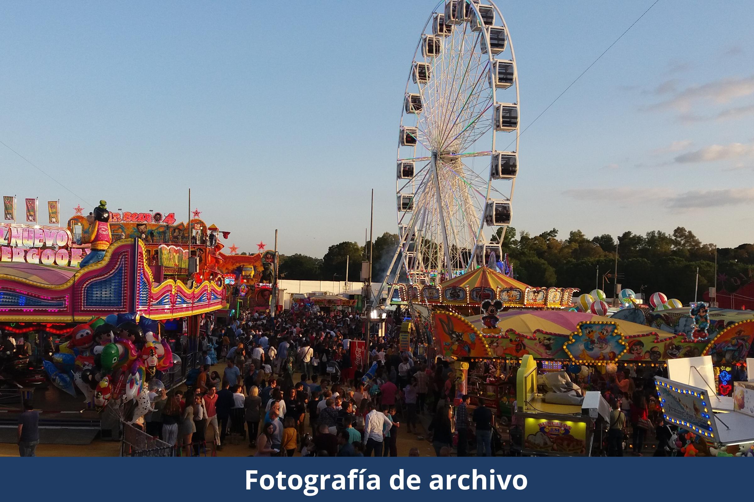 Foto archivo atracciones feria