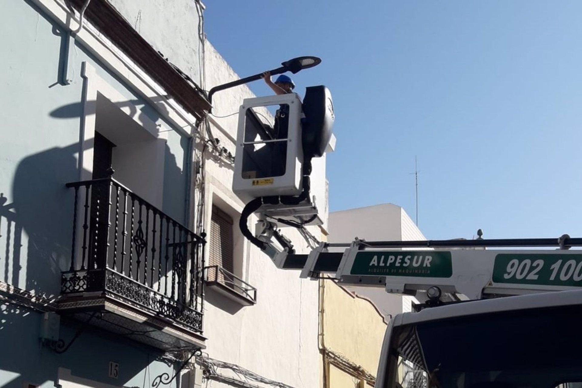 Sevilla.- Mejoras en el alumbrado de Alcalá de Guadaíra con ahorro del 70% en consumo eléctrico y reducción de emisiones