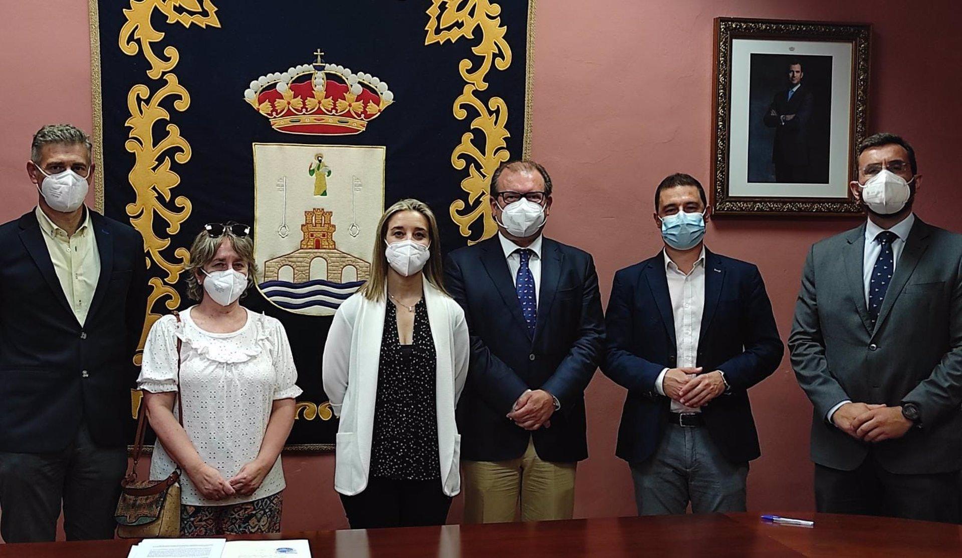 Sevilla.- Alcalá de Guadaíra y Cajasur suscriben un acuerdo para impulsar obras de infraestructuras en la ciudad