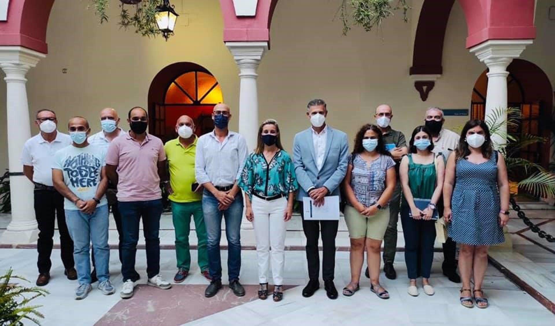 La estructura la conforman, además de presidencia y secretaría, un total de 13 consejeros entre expertos, asociaciones con actividad en el sector medioambiental y ciudadanos de Alcalá de Guadaíra.